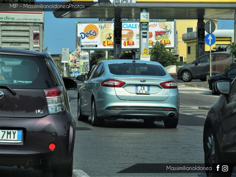 Auto Moderne - Pagina 16 Ford-Fusion-Hybrid-ZA654-VP