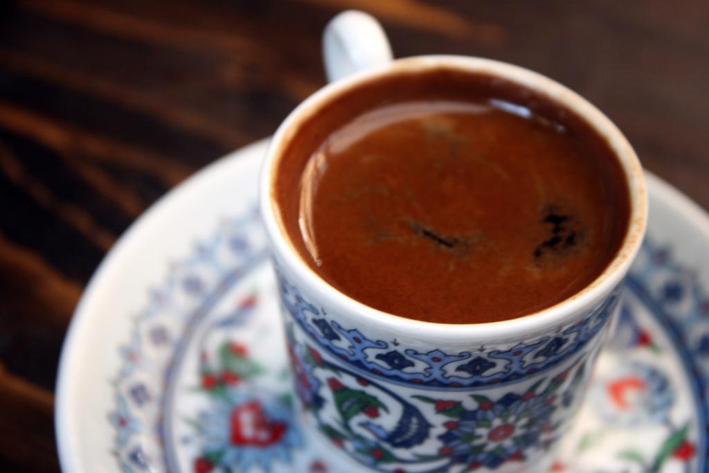kawa po turecku z tygielka