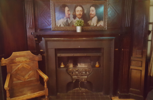 The seat at the Old George that was allegedly used by King Charles I during his time in Newcastle upon Tyne