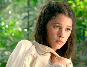 astrid-berges-frisbey