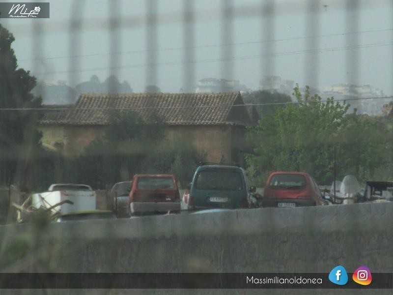 Auto Abbandonate - Pagina 4 Deposito_Giudiziario_Porte_di_Catania_1