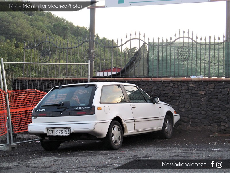 avvistamenti auto storiche - Pagina 35 Volvo-480-Turbo-1-7-122cv-91-CT976193