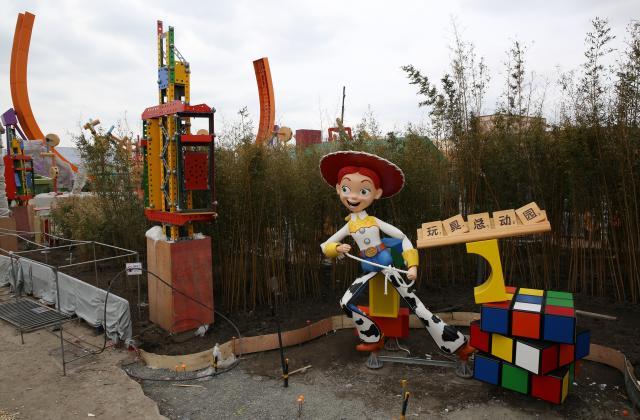 [Shanghai Disneyland] Toy Story Land (2018) - Page 3 W775