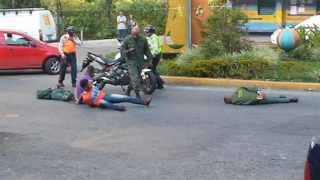 Se fugan 9 oficiales venezolanos acusados de conspiración contra Maduro