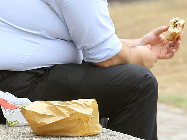 Scientists: obesity is more dangerous than smoking