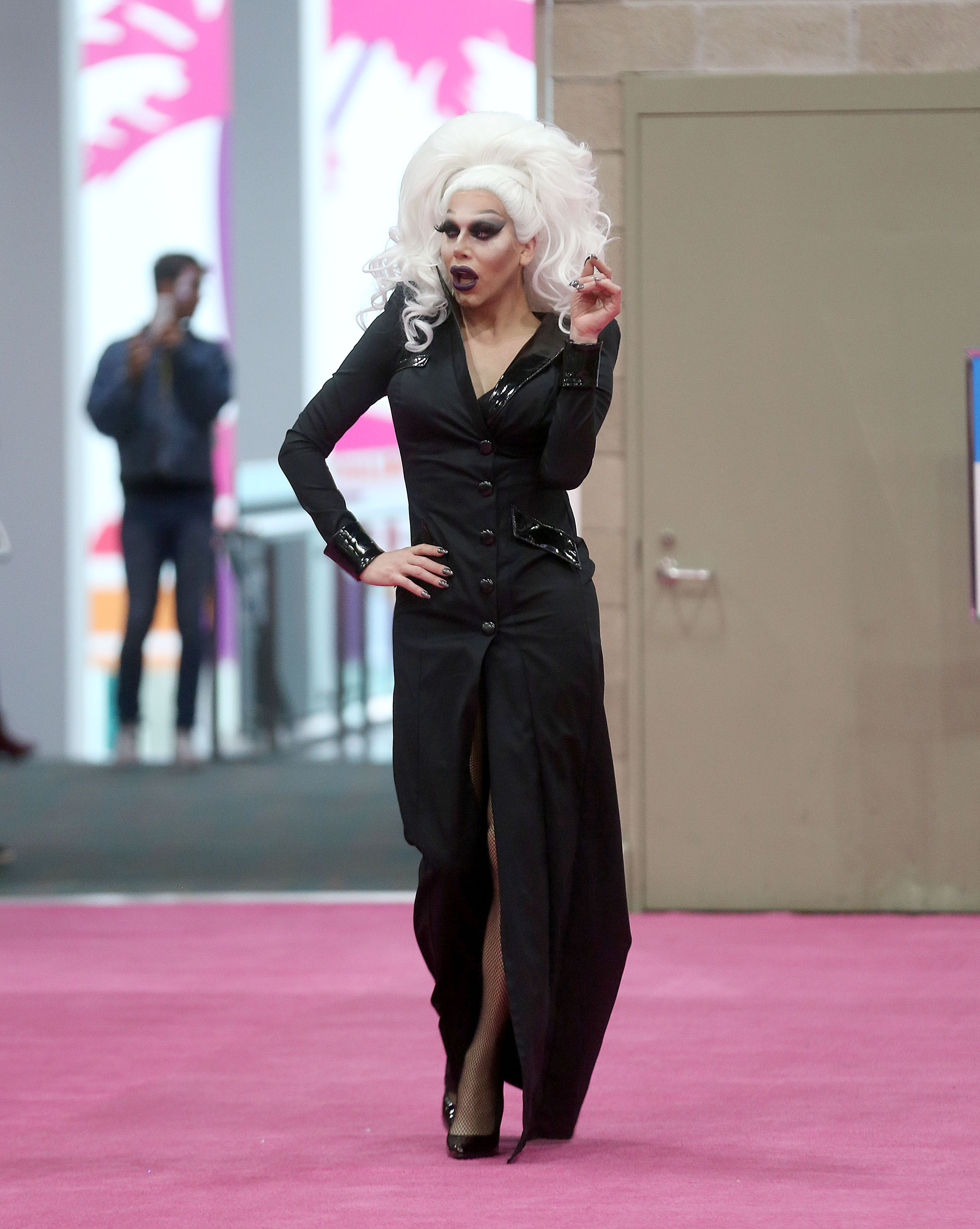Sharon Needles DragCon
