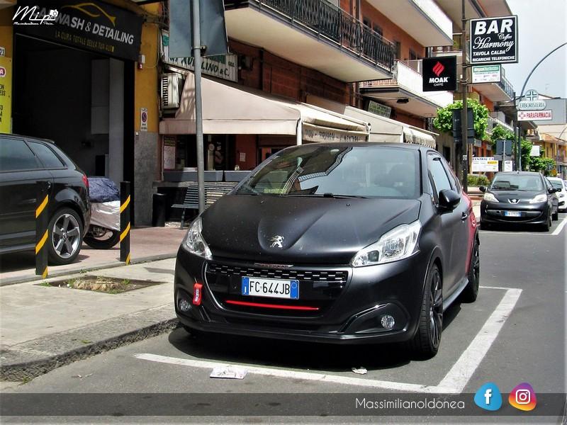 Avvistamenti auto rare non ancora d'epoca - Pagina 12 Peugeot_208_GTI_by_Peugeot_Sport_THP_1_6_208cv_16