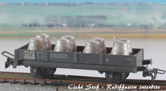 Wagons plats 2 ess maquette et semi maquette chargés par ordre alphabetique VB_plat_bombones_d_acide_IMG_4414_R