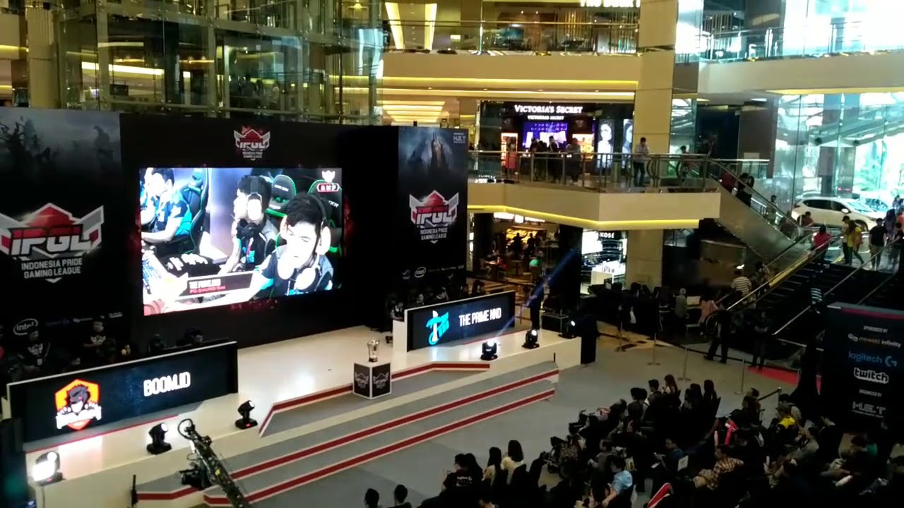 Stage IPGL 2017 by Mineski Event Team Indonesia
