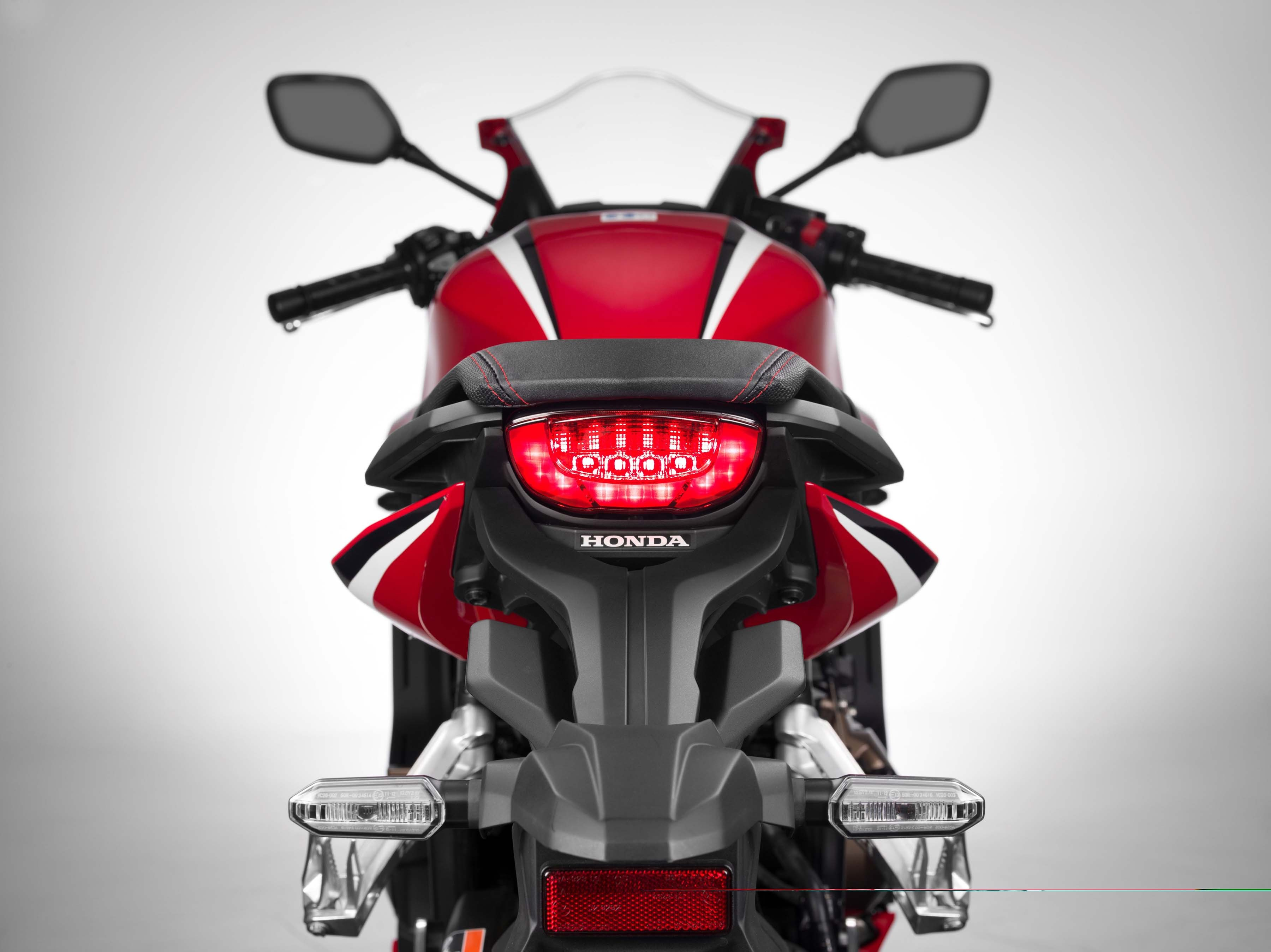 2019-Honda-CBR650-R-12