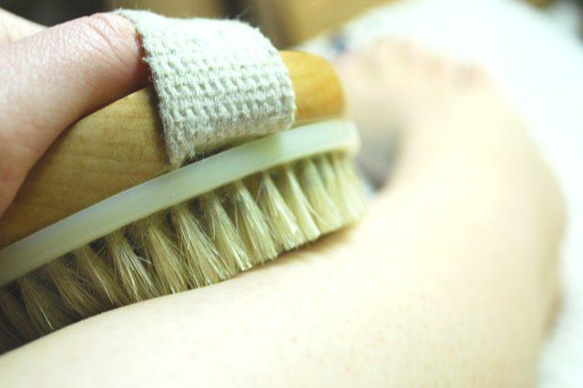 Сух масаж с четка | Ayurvedasofia.bg