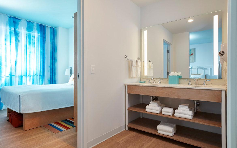 Universal's Endless Summer Resort- Surfside Inn